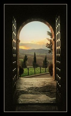 Tuscany...oh Heavens above, just let me have a view like this some day...