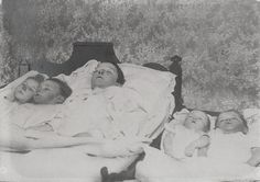 Skejby, Denmark, 1898, 5 children, who died by smoke poisoning on death bed