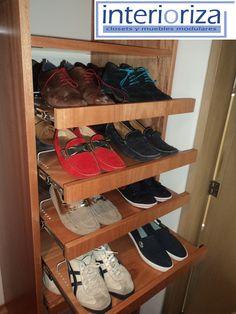 Zapateros extraíbles y tipo rack  Guarda tus zapatos de dentro de tu closet, olvídate de tus problemas de orden y espacio con Interioriza.