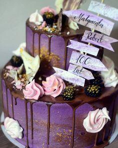 Fioletowa perełka ❤🎂❤ #cake #birthday #birthdaycake #tort #urodzinowytort #foodporn #sweetporn #chocoloate #gold #purplecake #drip…