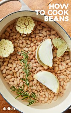 Once you get the hang of cooking dried beans, you'll never want to go back to the canned stuff. Mexican Food Recipes, Vegetarian Recipes, Cooking Recipes, Healthy Recipes, Delicious Recipes, Cooking Dried Beans, How To Cook Beans, Baked Chicken Breast, Vegetable Recipes