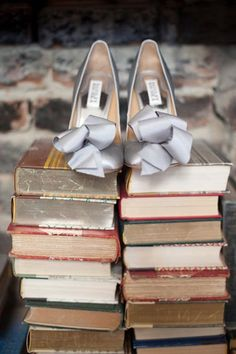 Silver Bridesmaids shoes with big bow I Greer G Photography