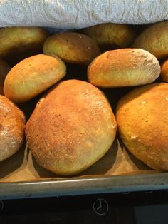 Voita ja Suolaa: Peggyn Igorin kana Savory Pastry, Savoury Baking, No Salt Recipes, Baking Recipes, Finnish Recipes, Coffee Bread, My Favorite Food, Favorite Recipes, Bread Cake