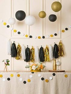 Packing list: -3 pcs tissue paper tassels Made from strips of colored tissue paper.Size of each tissue paper: 4.5x13.5(12x35cm) Color:White Black and Gold. Sold in set of 15, 5 Sheets of tissue tassels per bag, 1 bag of each White Black and Gold -2 * 6.5 feet circle dot paper garland -6 pcs
