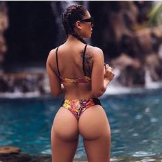 JUICY, ROUND DREAM WIFE BOOTY of sexy #Fitness model : Health, Workouts & #Fitspo - the best #Inspirational & #Motivational Pins by: http://cagecult.com/mma