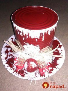 Snowman hat More Rustic Christmas, Simple Christmas, Christmas Holidays, Christmas Wreaths, Christmas Ornaments, Christmas Centerpieces, Xmas Decorations, Christmas Projects, Holiday Crafts