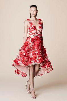 Marchesa Notte Spring 2017 Ready-to-Wear Fashion Show Más Red Fashion, Couture Fashion, Runway Fashion, Fashion Show, Fashion Design, Gypsy Fashion, Woman Fashion, Paris Fashion, Beautiful Gowns