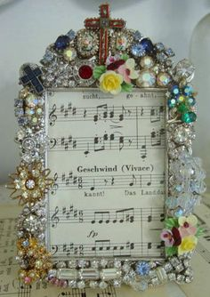 so many neat ideas on this page to use old jewelry (and many other things)