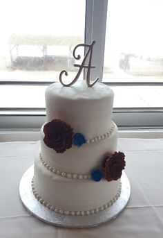 Wedding Cakes, Bakery, Desserts, How To Make, Food, Wedding Gown Cakes, Meal, Wedding Pie Table, Bakery Shops