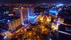 Honduras: San Pedro Sula, 480 años de historia vistos desde las alturas   El tiempo no ha pasado en vano para la segunda ciudad más importante de Honduras que este lunes está de aniversario de fundación.  San Pedro Sula está de fiesta este lunes al arribar a sus 480 años de fundación. Así luce de noche la ciudad pujante de Honduras. Foto drone La Prensa.