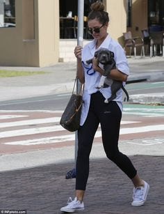 Jesinta Campbell.. sporty cool chic.. Asics branded tights..