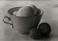 View Composition aux oeufs et aux quetsches (Composition with eggs and plums) By Josef Sudek; x cm; Access more artwork lots and estimated & realized auction prices on MutualArt. Photography Lessons, Still Life Photography, Fine Art Photography, Image Photography, Photography Magazine, Black N White Images, Black And White, Josef Sudek, Composition