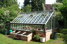http://www.victoriangreenhouses.com/freestanding-greenhouses/images/freestanding-greenhouse-2.jpg