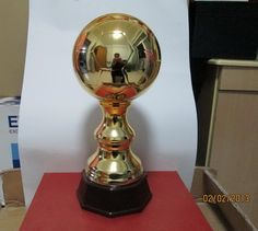 This Ceramic soccer trophies, football trophies, sports trophies, recognition awards made out of ceramic with silver, gold, silver & gold coating. This is a nice award items for football events. Four different patterns are available. The item number is MD11284 Our email is sale1@hpceramics.com Web: http://www.hpceramics.com