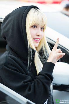❁imagine twice❁ - ✖ evil ✖ (Momo) - Wattpad K Pop, South Korean Girls, Korean Girl Groups, Kpop Girl Bands, Hirai Momo, Entertainment, Cosplay, One In A Million, Nayeon