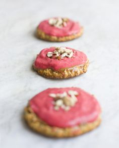 Almond Meringue Cake with Raspberry Cream 10 round meringues The meringue is sweetened with dates instead of sugar and baked with mixed almonds instead flour. It's got a layer of hazelnut butter and is topped with a raspberry and mango cream and all together it's sticky, nutty, sweet, fresh and fruity. Did we mention that it is gluten free?!