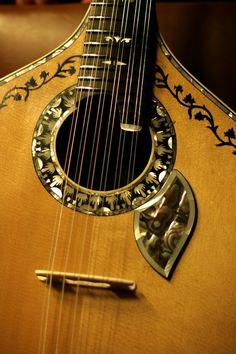 """portu666: """" alma-portuguesa: """" Guitarra """" *** Portuguese guitar """""""
