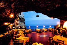 Hotel Ristorante Grotta Palazzese a Polignano en Mare, Italia