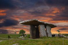 Poulnabrone Dolmen in County Clare Ireland. Learn all about these ancient burial sites with Irish American Mom. Dublin Bay, Dublin Ireland, Ireland Travel, Clare Ireland, Irish Landscape, Ireland Landscape, County Clare, Irish American, Parc National