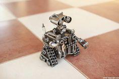 Sculpture art métal unique, petit Wall E soudé recyclés en acier  les deux mains et sa tête est mobile !  il sera un grand cadeau pour votre ami ou un