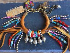 Hippie gitana boho pulsera de la playa flecos de por BeadStonenSkin