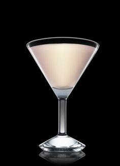 Foxy Lady - Encher uma coqueteleira com cubos de gelo. Adicionar todos os ingredientes. Agitar e coar em uma taça de coquetel resfriada. 2 Partes de Amaretto, 2 Partes de Creme de leite, 1 Parte de Licor de cacau branco
