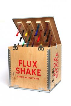 Fluxus box Art Boxes, Box Art, Fluxus Art, Exhibition Ideas, Happenings, Triangle, Container, Classroom, Fine Art