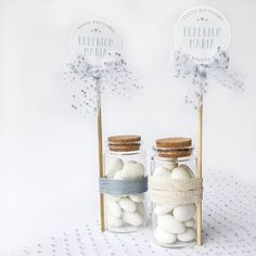 Baptism Favors, Communion, birth/Bottler, test tube, confetti jar Are you looking for an original and modern idea for your baby's baptism? These delicious favors combine the simplicity of gl Communion, Bomboniere Ideas, Popcorn Wedding Favors, Baby Shower Souvenirs, Baby Event, Succulent Wedding Favors, Baptism Decorations, Candle Packaging, Baby Boy Cakes