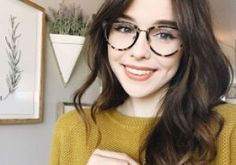 Cutie Acacia Brinley in Candy Floss getupfte Lippe - Colour Pop - - Cutie Acacia Brinley in Candy Floss getupfte Lippe - Colour Pop Hipster Glasses, Cool Glasses, Big Glasses Frames, Hairstyles With Glasses, Girl Hairstyles, Hair Styles For Glasses, Makeup With Glasses, Acacia Brinley, Blonde Makeup