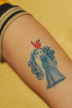 making your own tattoo with tattoo-paper & printer, great idea!!