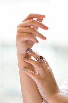 Sarah(Red), Fina(Blue)  #nails #julep