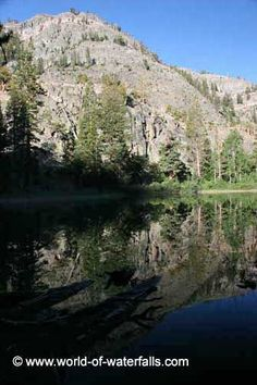 Olaine Lake, Inyo National Forest / Mono County / Fresno County, California, USA