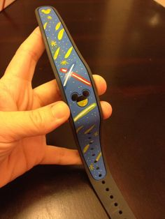 Has anyone decorated their Magic Bands? Please show us the pictures! Disney World Trip, Disney Vacations, Disney Trips, Disney Honeymoon, Honeymoon Ideas, Disney Parks, Disney Diy, Disney Crafts, Disney Ideas