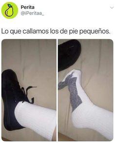 Lo que callamos los de #pie #pequeño Lo que callamos los de #pie #pequeño  #memes #meme Bts Memes, Funny Memes, Jokes, Mexican Memes, Spanish Humor, Clean Memes, Maddie Ziegler, Girl Meets World, Hobbit