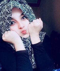 5 Tips For Beautiful Lashes Beautiful Hijab Girl, Beautiful Blonde Girl, Beautiful Muslim Women, Beautiful Girl Photo, Cute Girl Photo, Hijabi Girl, Girl Hijab, Hijab Teen, Islamic Girl Pic
