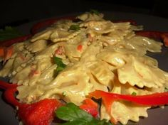 PASTA CON CREMA DI PEPERONI E CURRY /PASTA WITH PEPPERS AND CURRY