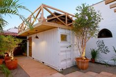 Capa - Home Decore Container Home Designs, Container Shop, Build My Own House, Building A House, House With Balcony, Bungalow, Casas Containers, Container Buildings, Bureau Design