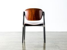 17 - S83 Chair - 03