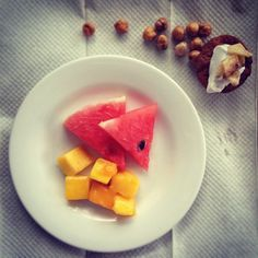 had this for today - mango, juicy watermelon, fruity cupcakes with coconut passion fruit whip and crispy chickpeas for a wee protein hit. Fruit Whip, Fruity Cupcakes, Crispy Chickpeas, Food Kids, Afternoon Tea, Kids Meals, Real Food Recipes, Watermelon, Mango