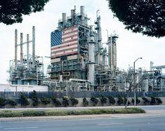 Hoe in Amerika energie wordt geproduceerd hoe het wordt gebruikt en de weerslag van beide op het landschap en de samenleving van het land. De fotoserie American Power van Mitch Epstein.