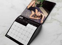 Sophie Hemels is dit jaar verantwoordelijk voor de fotografie van de derde jaarkalender van 2016. De jonge, Amsterdamse fotografe is erg sterk in portretfotografie en dat is voor de klanten van FreshCotton in dit geval erg fijn.Deze 2016 editie staat bomvol met vierkante Instagram-inspired foto's van Nederlandse Instagram prinsessen waaronder Rianne Meyer, Vera Lesavoy en Nikki Marinu die je normaal gezien niet op het werk kan openen.De kalender is vanaf vandaag verkrijgbaar bij FreshCotton…