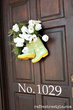 Super Cute DIY Spring Door Decor