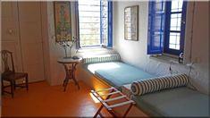 rusztikus hálószoba, görög lakás (Luxuslakás 7) Sweet Home, Lounge, Couch, Furniture, Sign, Home Decor, Chair, Airport Lounge, Drawing Rooms