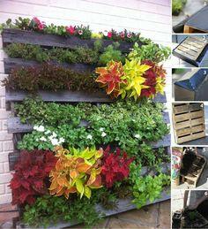 Pallets garden wall type