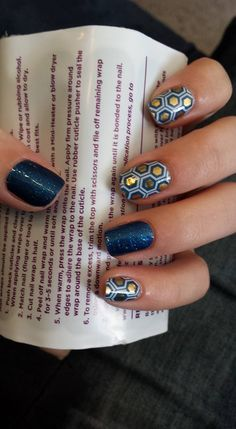 Queen Bee Jamberry Nail Wrap paired with Sapphire for accent.
