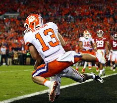 TAMPA, Fla. — Deshaun Watson threw a 2-yard touchdown pass to Hunter Renfrow with one second left, lifting Clemson to its first national championship in 35 years as the Tigers knocked off No. 1 Ala…