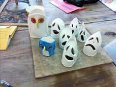 Ceramic Ghosties and two bird pots