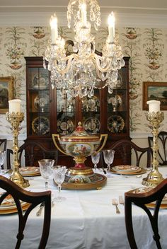 Formal dining , simply divine !