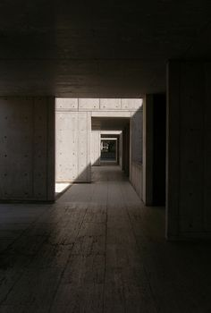Louis Kahn. Salk Institute for biological studies, 1965 La Jolla.
