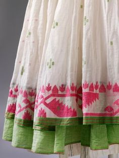 Jamdani dress (detail), designed by Aneeth Arora for Péro, cotton woven in West Bengal, tailored in Delhi, 2010. Museum no. IS. 10-2014, © Victoria and Albert Museum, London